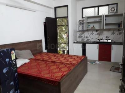 Gallery Cover Image of 200 Sq.ft 1 RK Apartment for rent in Sant Nagar for 16000