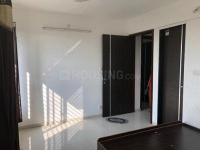 Gallery Cover Image of 1400 Sq.ft 3 BHK Apartment for rent in Hadapsar for 16000