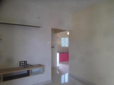 Gallery Cover Image of 750 Sq.ft 2 BHK Apartment for rent in Panathur for 18000
