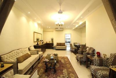 Gallery Cover Image of 800 Sq.ft 2 BHK Apartment for rent in Bandra West for 200000