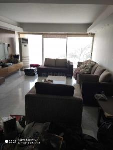 Gallery Cover Image of 1800 Sq.ft 3 BHK Apartment for rent in Cuffe Parade for 275000