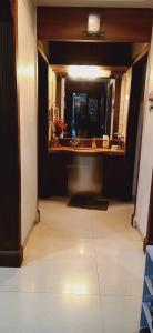 Gallery Cover Image of 1500 Sq.ft 2 BHK Apartment for rent in Sita Niwas Parel, Parel for 75000