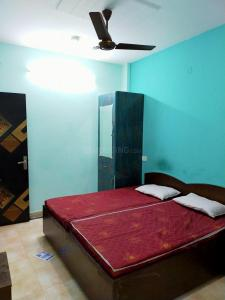 Gallery Cover Image of 350 Sq.ft 1 RK Independent Floor for rent in Sushant Lok I for 13500