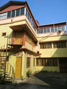 Gallery Cover Image of 3000 Sq.ft 3 BHK Independent Floor for rent in Uttarpara for 12000