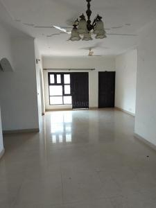 Gallery Cover Image of 1800 Sq.ft 3 BHK Apartment for rent in Sector 9 for 19000