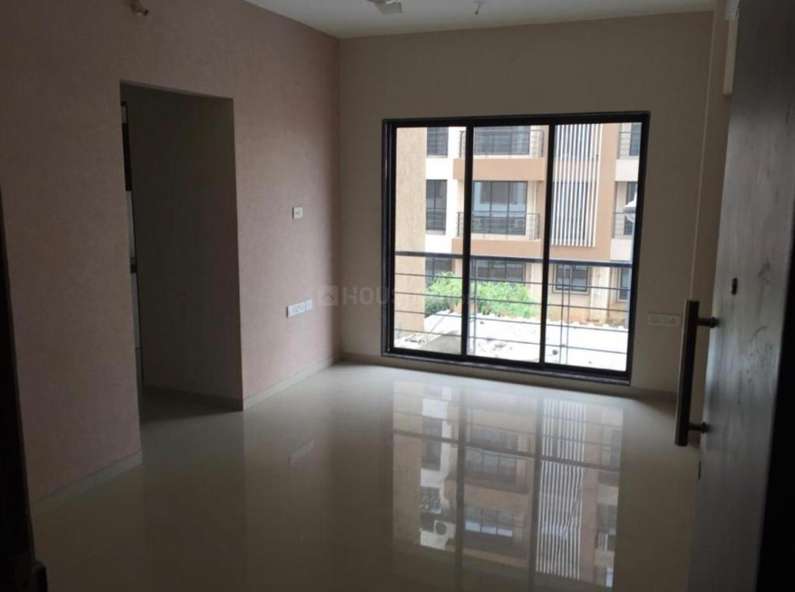 Living Room Image of 640 Sq.ft 1 BHK Apartment for rent in Vasai East for 10000