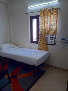 Gallery Cover Image of 800 Sq.ft 2 BHK Apartment for buy in sector 73 for 2200000