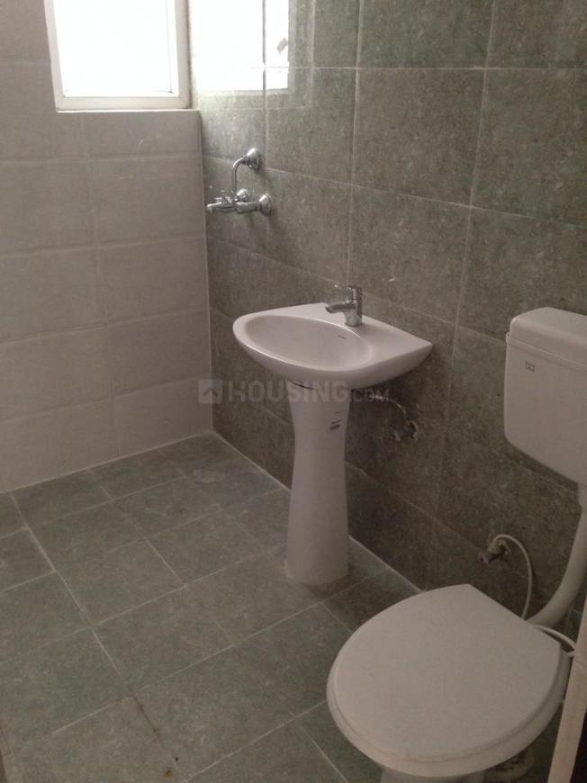 Common Bathroom Image of 1440 Sq.ft 3 BHK Apartment for rent in Noida Extension for 11500