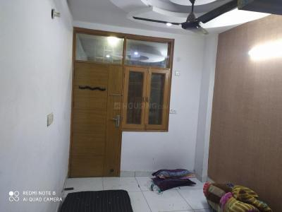 Gallery Cover Image of 700 Sq.ft 2 BHK Independent Floor for rent in Dwarka Mor for 11000
