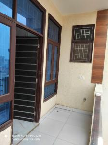 Gallery Cover Image of 1200 Sq.ft 3 BHK Independent Floor for buy in Sector 11 for 4500005