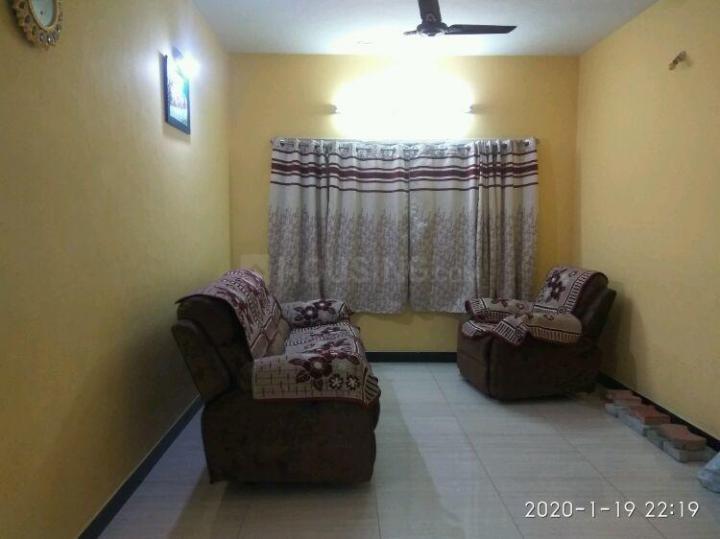 थोरैपक्कम में ओरचिड के लिविंग रूम की तस्वीर