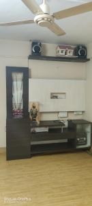 Gallery Cover Image of 600 Sq.ft 1 BHK Apartment for rent in Classic, Anand Nagar for 11000