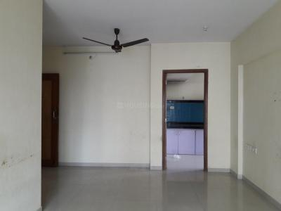 Gallery Cover Image of 865 Sq.ft 2 BHK Apartment for rent in Kandivali East for 25000