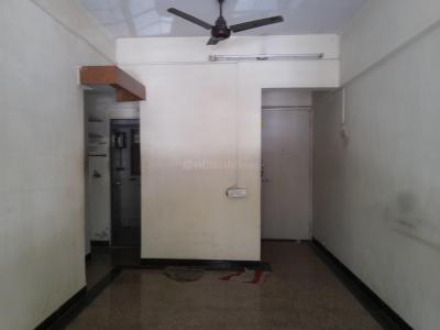 Gallery Cover Image of 540 Sq.ft 1 BHK Apartment for rent in Kandivali East for 16000