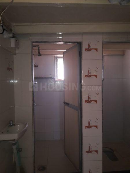 Common Bathroom Image of 320 Sq.ft 1 RK Apartment for rent in Vikhroli East for 13000