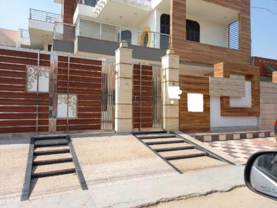 Gallery Cover Image of 3200 Sq.ft 6 BHK Independent House for buy in Sector 17 for 31000000