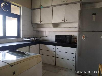Gallery Cover Image of 1600 Sq.ft 4 BHK Apartment for rent in Andheri West for 72000