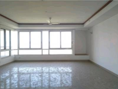 Gallery Cover Image of 2650 Sq.ft 3 BHK Apartment for buy in Jaypee The Imperial Court, Sector 128 for 16800000