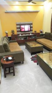Gallery Cover Image of 8110 Sq.ft 10 BHK Independent House for buy in Sector 17 for 40000000