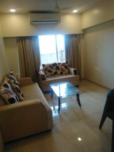 Gallery Cover Image of 990 Sq.ft 2 BHK Apartment for buy in Malad East for 13000000