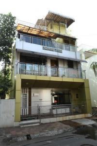 Gallery Cover Image of 3000 Sq.ft 4 BHK Villa for rent in Borivali West for 110000