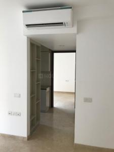 Gallery Cover Image of 625 Sq.ft 1 BHK Apartment for rent in Powai for 43000