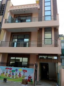 Gallery Cover Image of 1800 Sq.ft 4 BHK Independent House for buy in Kaushambi for 8000000