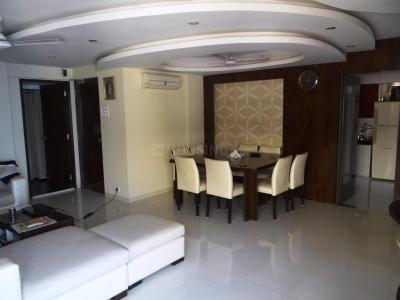 Gallery Cover Image of 2200 Sq.ft 3 BHK Apartment for buy in Juhu for 150000000