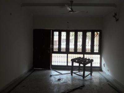 Gallery Cover Image of 1450 Sq.ft 3 BHK Apartment for rent in Sarita Vihar for 33000