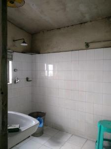 Common Bathroom Image of 225 Sq.ft 1 RK Apartment for rent in Taltala for 15000