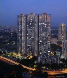 Gallery Cover Image of 928 Sq.ft 2 BHK Apartment for buy in Wadhwa Atmosphere Phase 1, Mulund West for 17500000