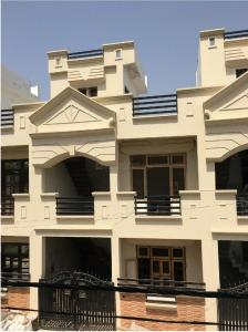 Gallery Cover Image of 550 Sq.ft 1 BHK Independent House for buy in Chinhat Tiraha for 1426000