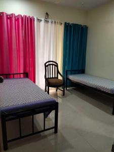 Bedroom Image of PG 4271476 Malad West in Malad West