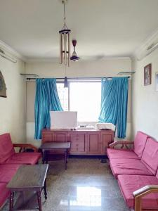 Gallery Cover Image of 1350 Sq.ft 3 BHK Apartment for buy in Borivali West for 22500000