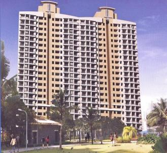 Gallery Cover Image of 1600 Sq.ft 3 BHK Apartment for buy in Malad East for 26000000