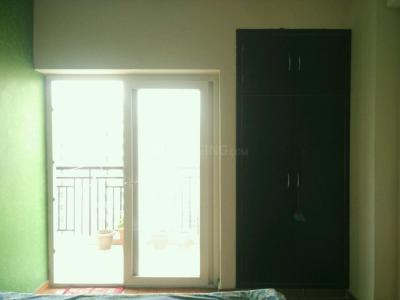 Gallery Cover Image of 915 Sq.ft 2 BHK Apartment for rent in Omkar Royal Nest, Noida Extension for 8500