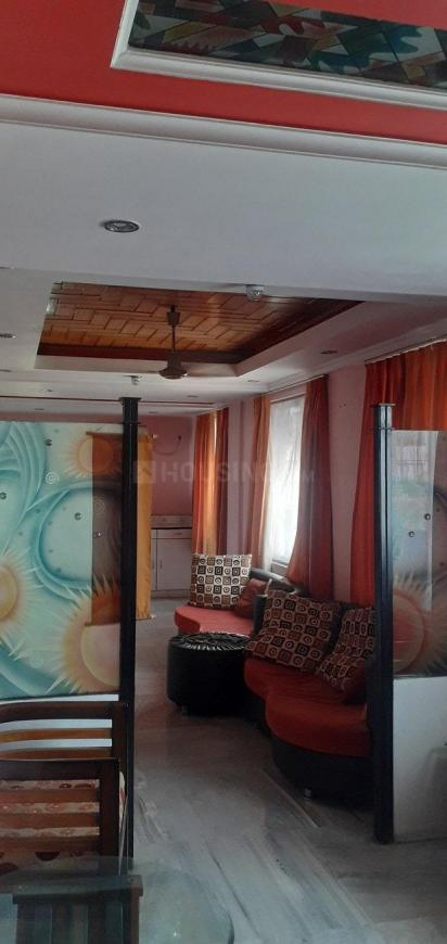 Living Room Image of 1600 Sq.ft 3 BHK Apartment for rent in Gariahat for 50000