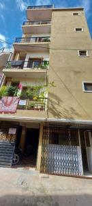 Gallery Cover Image of 6500 Sq.ft 10.5 BHK Independent House for buy in R. T. Nagar for 49000000