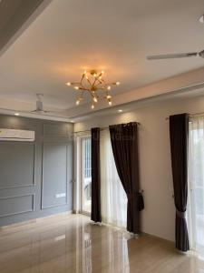 Gallery Cover Image of 2000 Sq.ft 4 BHK Independent Floor for buy in Unitech Green Wood City, Sector 45 for 24000000
