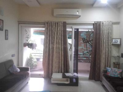 Gallery Cover Image of 2250 Sq.ft 3 BHK Apartment for buy in Thaltej for 11500000