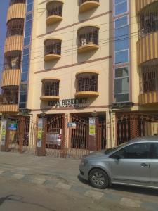 Gallery Cover Image of 875 Sq.ft 2 BHK Apartment for rent in Paschim Putiary for 14000