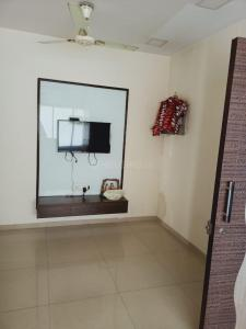 Gallery Cover Image of 790 Sq.ft 2 BHK Apartment for rent in Pankaj Mansion, Worli for 50000