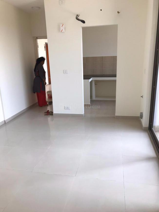 Living Room Image of 650 Sq.ft 1 BHK Apartment for rent in Kelambakkam for 7500