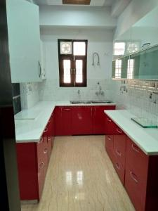 Gallery Cover Image of 1350 Sq.ft 3 BHK Independent Floor for buy in Shakti Khand for 5200000