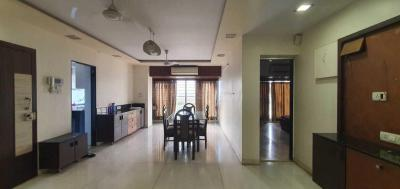 Gallery Cover Image of 1920 Sq.ft 3 BHK Apartment for rent in Juhu for 150000