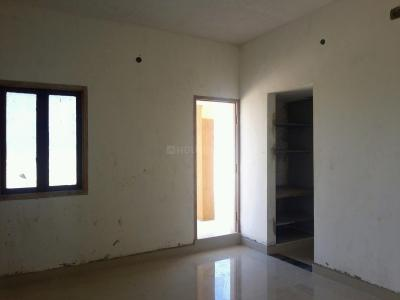 Gallery Cover Image of 585 Sq.ft 1 BHK Apartment for buy in Sarvajith Royal Spring, Tharapakkam for 2223000