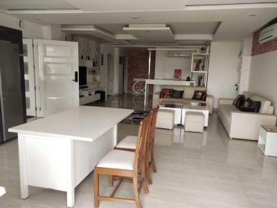 Gallery Cover Image of 1850 Sq.ft 4 BHK Apartment for rent in Sector 23 Dwarka for 35000
