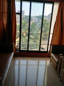 Gallery Cover Image of 750 Sq.ft 2 BHK Apartment for rent in Bandra West for 80000