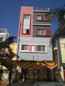 Gallery Cover Image of 2400 Sq.ft 1 BHK Independent Floor for rent in Visthar for 8000