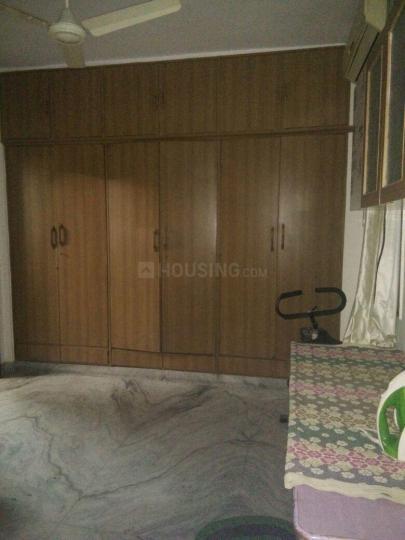 दादर वेस्ट में रमेश पीजी में बेडरूम की तस्वीर
